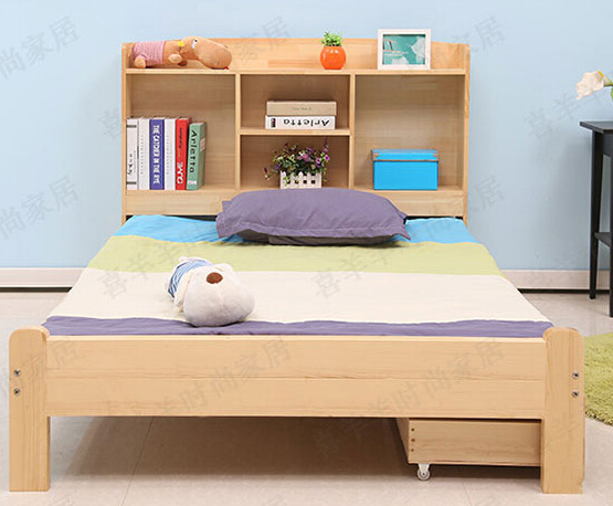 儿童房除单人儿童床外,有衣柜书柜和飘窗改造的书桌. 6.