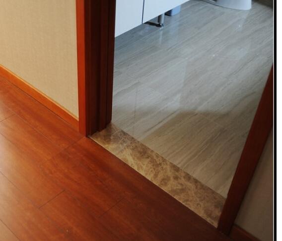 客厅地砖和主卧地板怎么过渡?