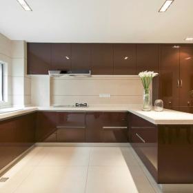 现代简约厨房吧台装修案例