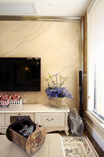 电路改造,地面找平,电视背景墙,餐区背景墙,石膏板吊顶,石膏线等.图片