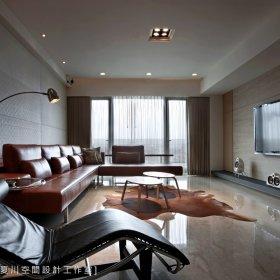 现代简约客厅沙发台灯装修效果展示
