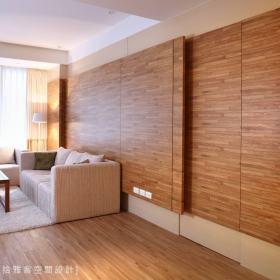客厅隐形门沙发设计方案