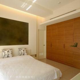 现代简约卧室背景墙装修效果展示