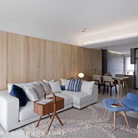 混搭客厅背景墙沙发设计案例