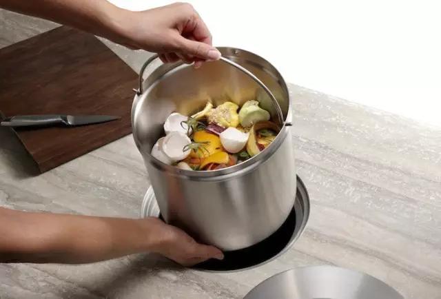 创意垃圾桶之二——内嵌式垃圾桶,厨房垃圾眼不见为净.