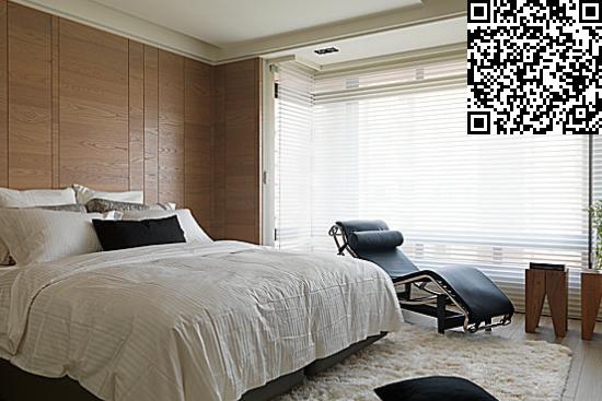中式卧室背景墙装修效果图大全   背景墙采用了繁复的制作来突出木头