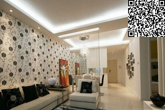实木镂空雕花与镜面玻璃搭配让家里的客厅的隔断