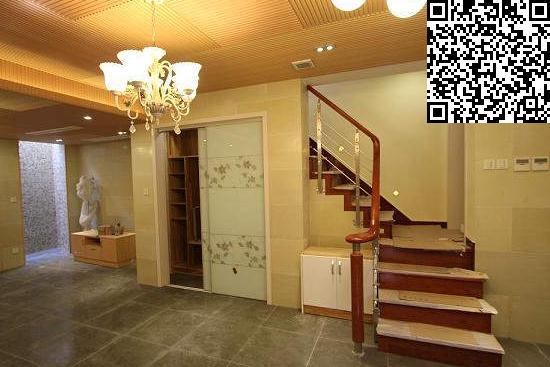 """别墅地下室装修注意知多少之照明   良好的照明是地下室装修过程中最关键因素。在光线的处理中,内部的照明和外部的天然光结合是一种理想的地下室采光机制。也就是说地下室必需要有一个或一套常亮灯,假如想多些设计感,可以让常亮光透过磨砂玻璃透射天生柔和慢光,为地下室营造朦胧浪漫的情调。   其实地下室在装修的过程中要注意的事情也是不少的,小编只是介绍了几点比较重要的。但是小编还是希望通过这次的""""别墅地下室装修注意知多少"""",帮大家打造一个完美的地下空间, 免责声明:本文系酷家乐用户转载自网络,"""