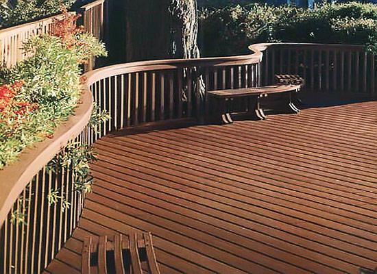 优选防腐木地板 打造精致园艺式阳台
