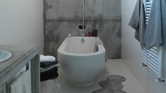 卫浴设计   大面积的选用原木材质,让人犹如走进森林一般,自然的即视感和舒适环境氛围,很容易就进入放松的状态。经过防水处理的原木材质,不会使木材因为浸泡而发霉腐烂。整体的收纳设计,不仅节省空间也让卫浴间干净整洁。 免责声明:本文系酷家乐用户转载自网络,发布本文为传递更多信息之用,其原创性以及文中陈述文字和内容未经本站证实,对本文以及其中全部或者部分内容、文字的真实性、完整性、及时性本站不作任何保证或承诺,请读者仅作参考,并请自行核实相关内容。