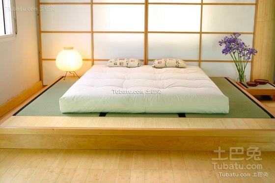 现代榻榻米床布置设计图片