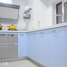 现代简约韩式混搭清新厨房设计图