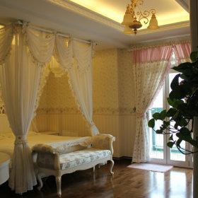 欧式卧室复式楼装修效果展示