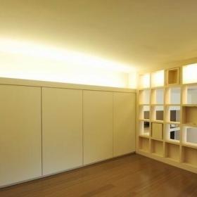 卧室床架柜子射灯设计案例
