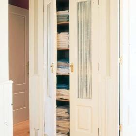 卧室窗帘衣柜卧室衣柜玻璃门设计方案