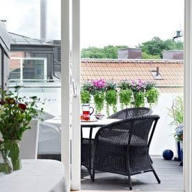 阳台阁楼餐桌休闲餐桌设计案例展示