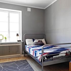多窗户的明亮109平北欧复式公寓