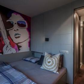 叠加创意空间40平冷调阳刚公寓