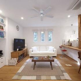 清新自然客厅厨房吧台沙发椅子客厅沙发椅设计方案