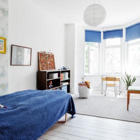 窗帘单人床装修图