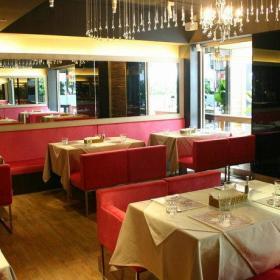141平大户型现代简约餐厅装修效果图