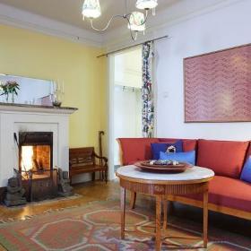 客厅沙发挂画装修案例