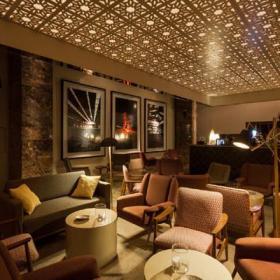 雅致的酒吧室内设计