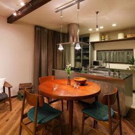 自然现代厨房餐桌椅子圆形餐桌椅装修效果展示