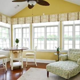 阳台窗帘装修图