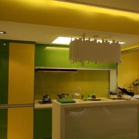 厨房隔断装修案例