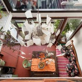 木制的现代风格在伦敦公寓的房子