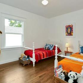 自然童床木地板装修效果展示