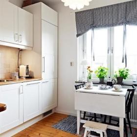 厨房窗帘椅装修图