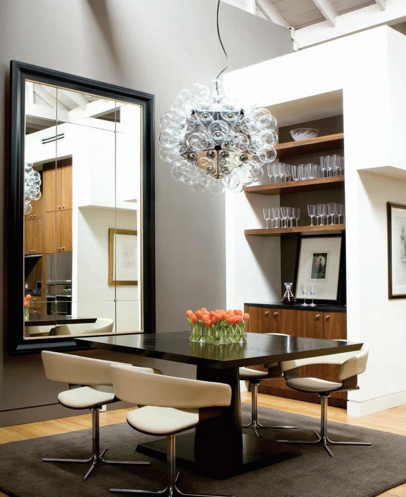欧式风格大户型装修,卧室个性床头背景墙展示柜设计