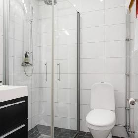 现代简约卫生间干湿分离设计案例展示