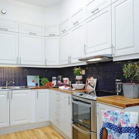 北欧厨房收纳装修图