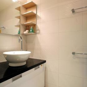 现代简约卫生间收纳设计方案