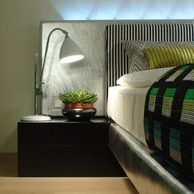 卧室台灯装修效果展示