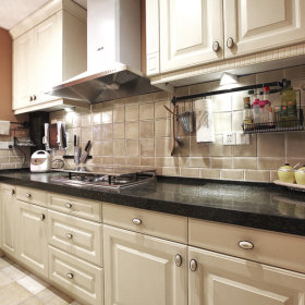 现代简约厨房储物柜设计案例