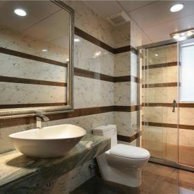 现代简约卫生间干湿分离装修图