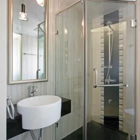 现代简约卫生间干湿分离设计方案